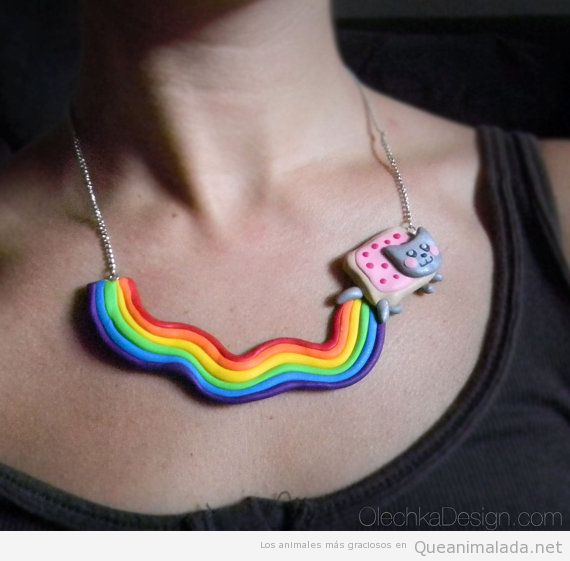 Collar del gato Nyan Cat con arcoiris