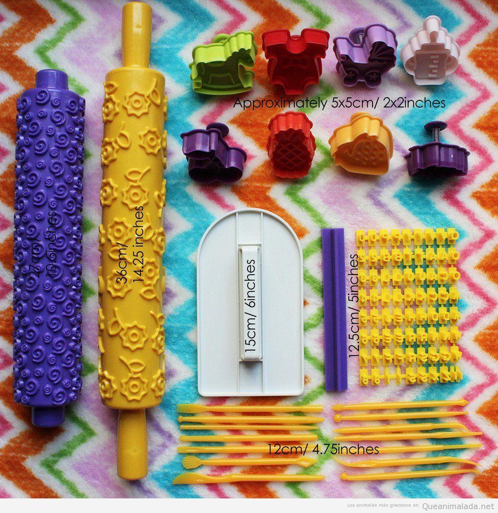 Un rodillo de pasteler a para decorar galletas con gatos - Rodillos con relieve ...