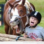 Mejor que tu caballo no diga Luíiiiis en las fotos…